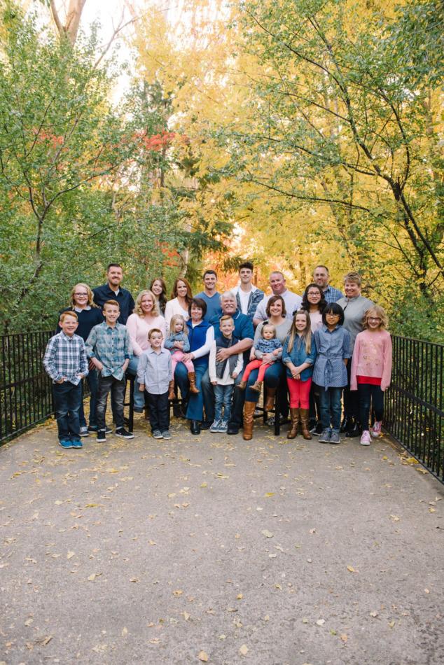 Utah in the Fall Extended Family 01