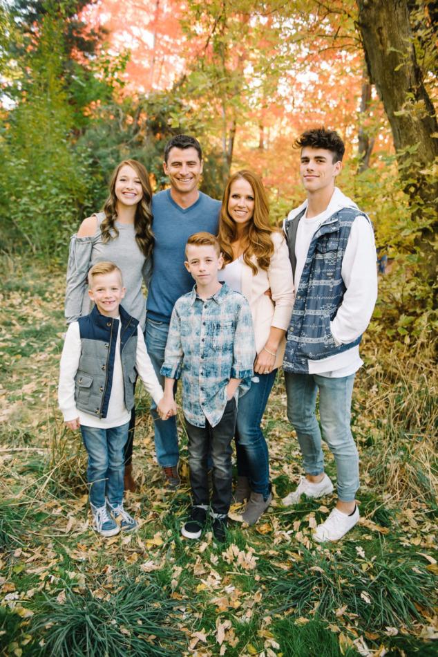 Utah in the Fall Extended Family 05
