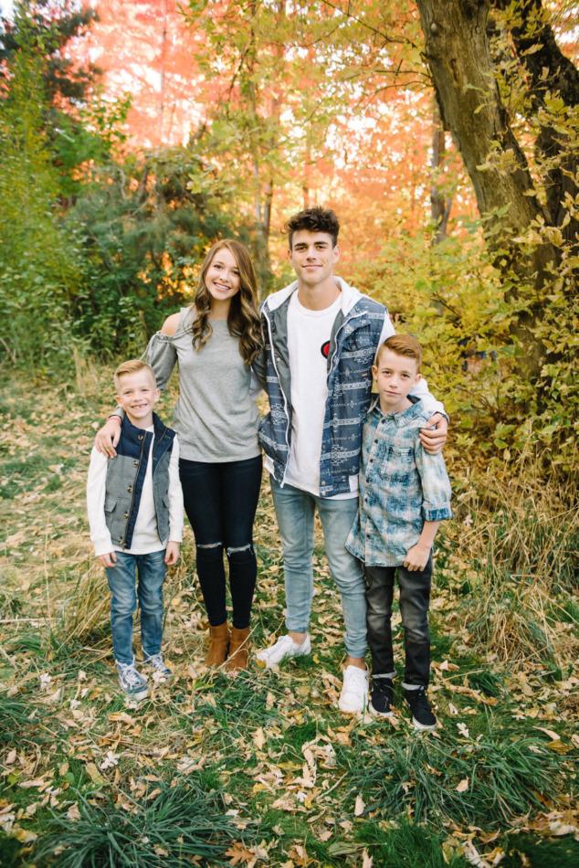 Utah in the Fall Extended Family 06