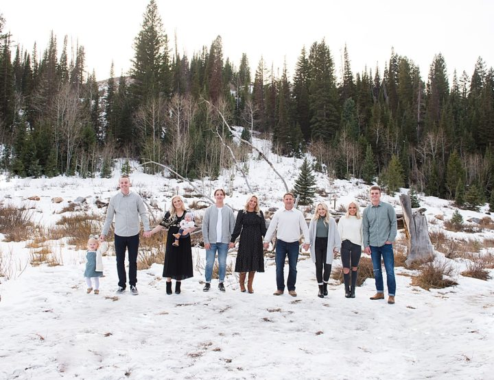 Extended Family Session In the Snowy Mountains of Utah